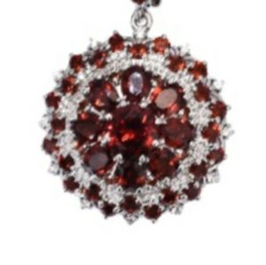 Exquisite Garnet Pendant Necklace